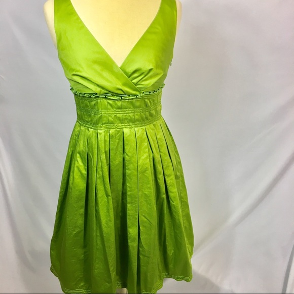 ccf9c43d706 Liz Claiborne Green Sleeveless Pleated Dress Sz 4